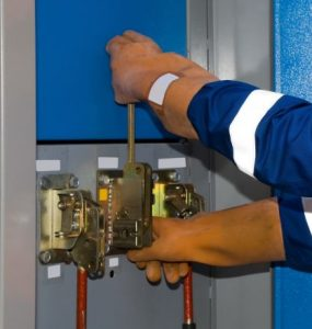 Selecting Electrician' Safety Gloves